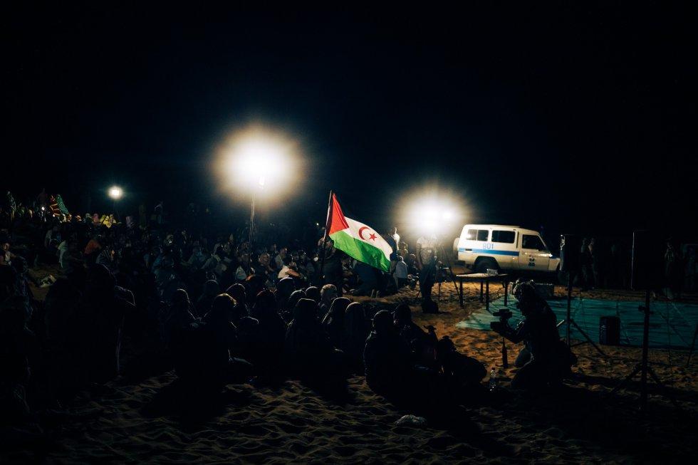 Panorámica del evento celebrado en Dajla en el día que llegan a la 'wilaya' los viajeros procedentes de Europa.