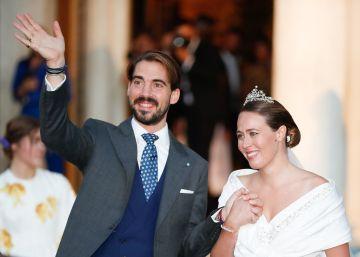 La reina Sofía y la infanta Elena, entre los asistentes a la boda de Felipe de Grecia y Nina Flohr en Atenas