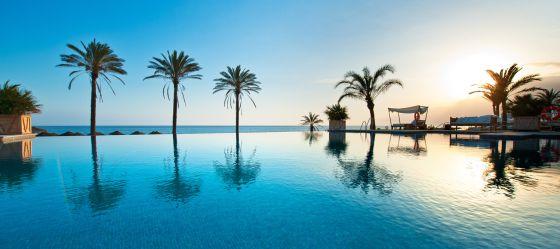 10 hoteles con club de playa el viajero el pa s - Fotos de hamacas en la playa ...
