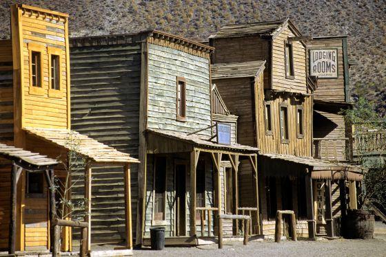 Rutas del lejano sureste el viajero el pa s for Inmobiliarias de almeria