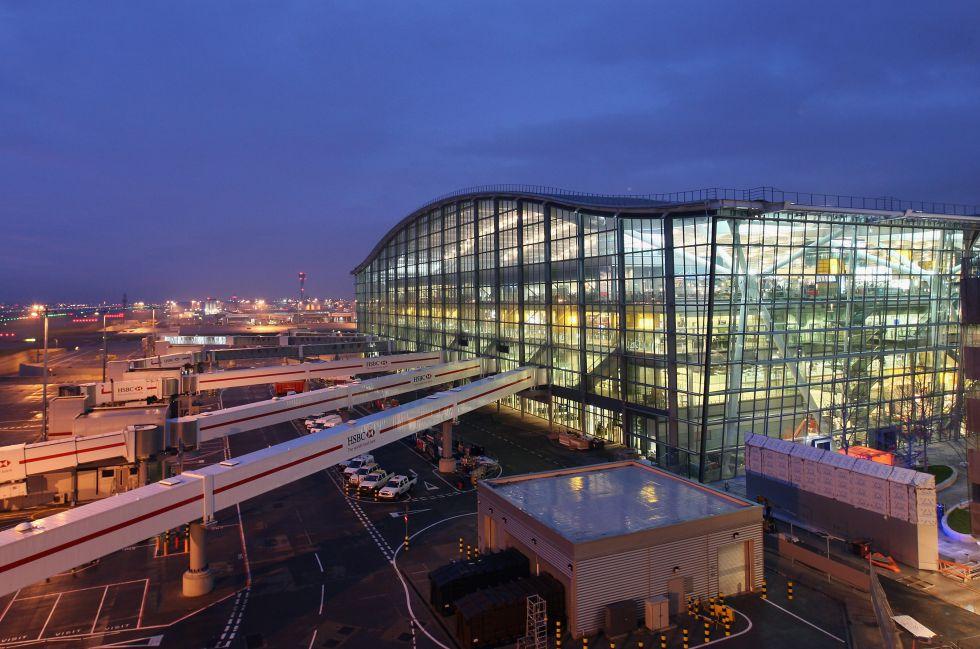 Fotos 14 aeropuertos alucinantes el viajero el pa s for Arquitecto t4