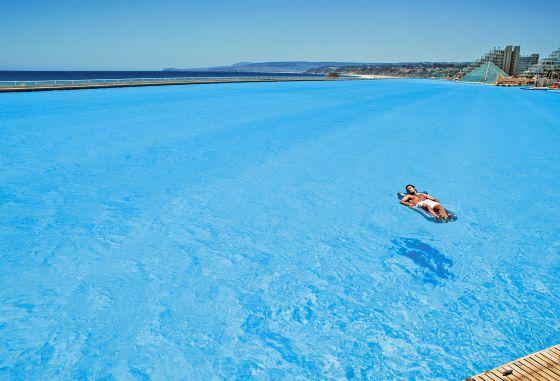 La piscina m s grande del mundo el viajero el pa s for Albercas inflables grandes baratas