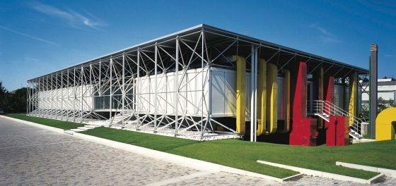 El peque o pompidou el viajero el pa s for High tech arquitectura