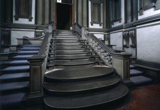 la escalera de la biblioteca laurenziana de florencia proyectada por miguel ngel