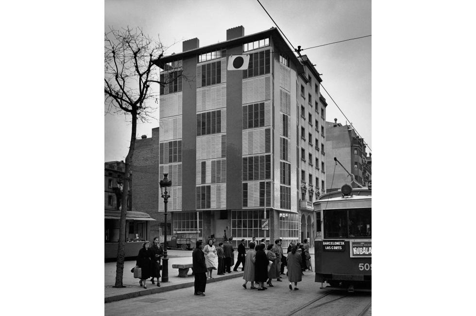 Fotos barcelona en 30 edificios contempor neos el for Josep antoni coderch