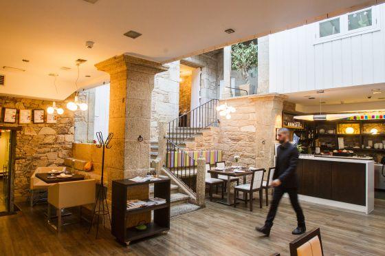 Top Saln Del Restaurante A Tafona En Santiago De Compostela With Cocinas  Santiago De Compostela.