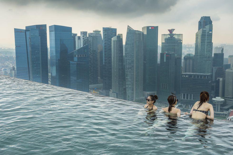 Fotos 10 piscinas infinitas espectaculares el viajero for Follando en la piscina del hotel