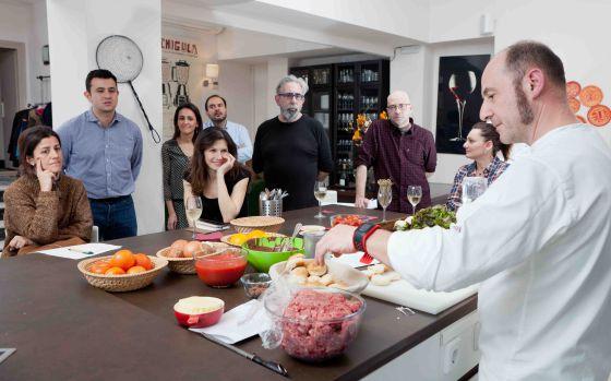 Escuelas De Cocina En Madrid | Viajeros A Los Fogones El Viajero El Pais