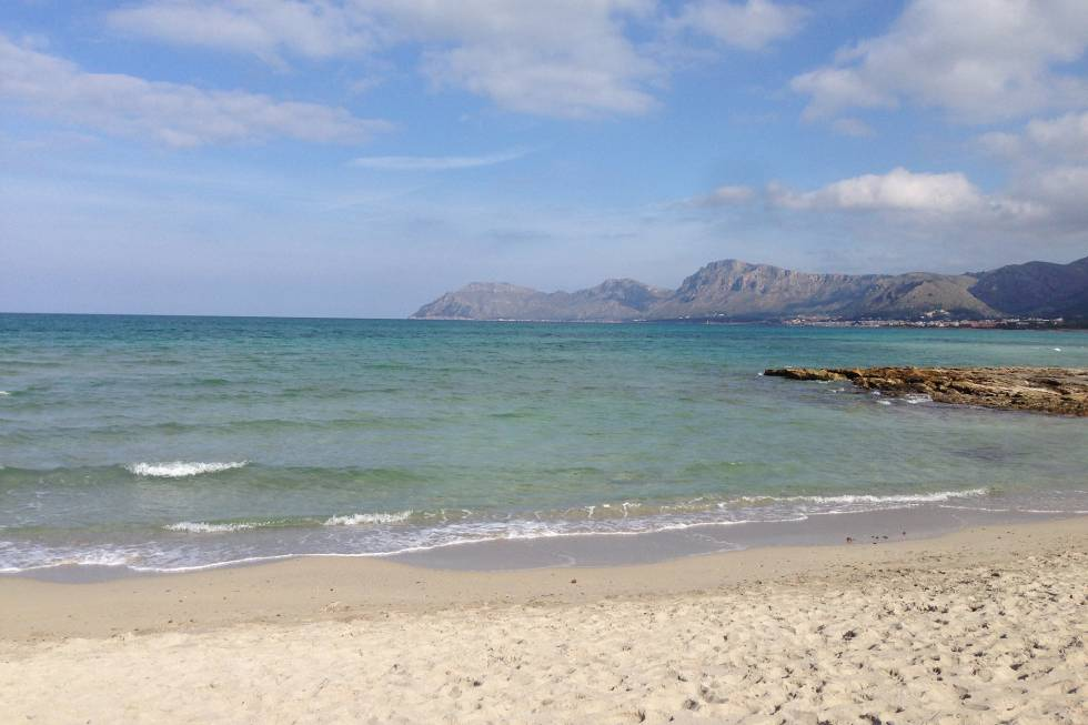 bahía de Alcúdia, con su amplia paleta de azules