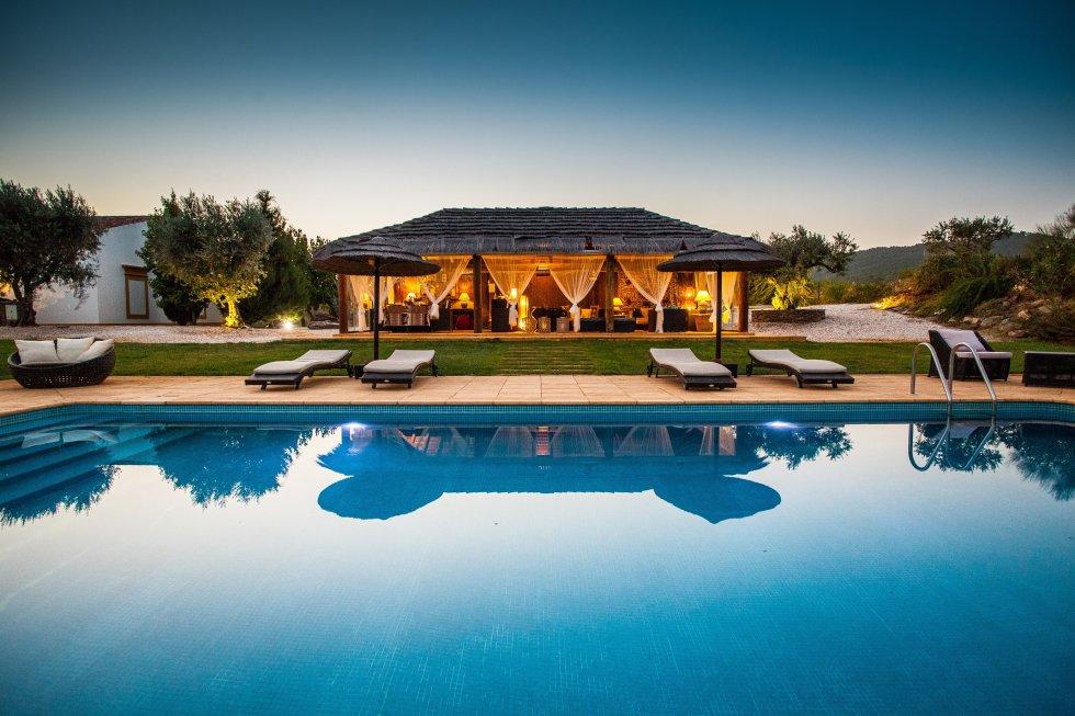 6f548d33130ae Sofisticado complejo rural en torno a un patio central en el Alentejo  portugués