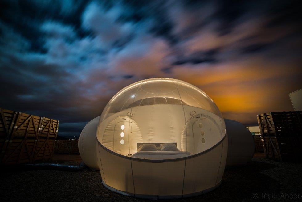 12 hoteles para dormir bajo las estrellas