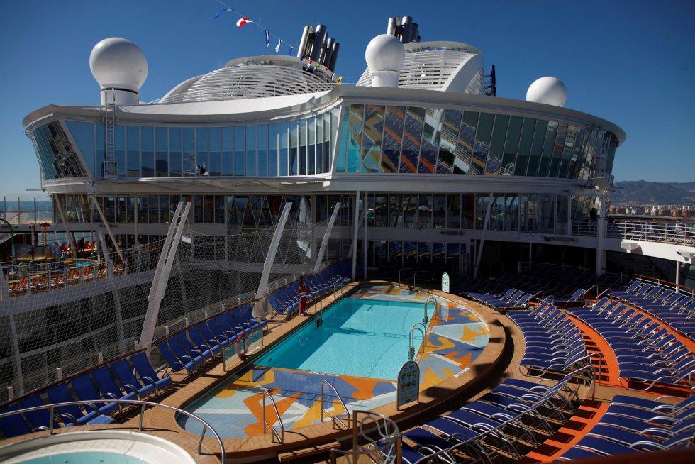 Una de las partes de la cubierta del barco, en el que hay un total de 19 piscinas.