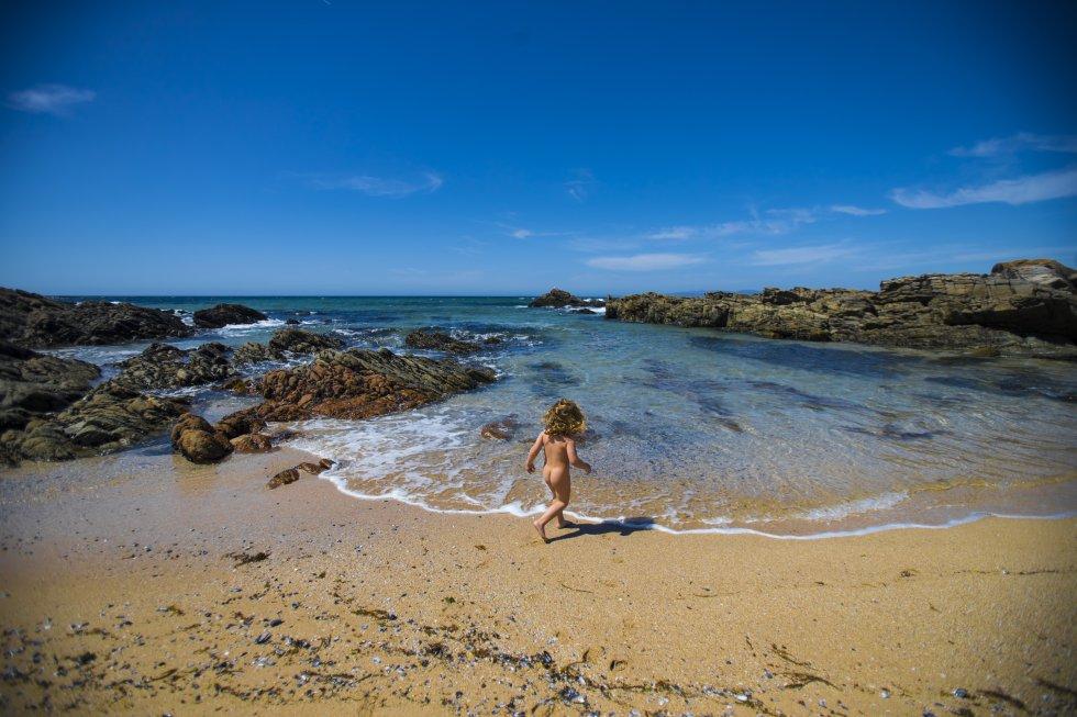 Playa nudista de Balieiros, en Riveira (A Coruña).