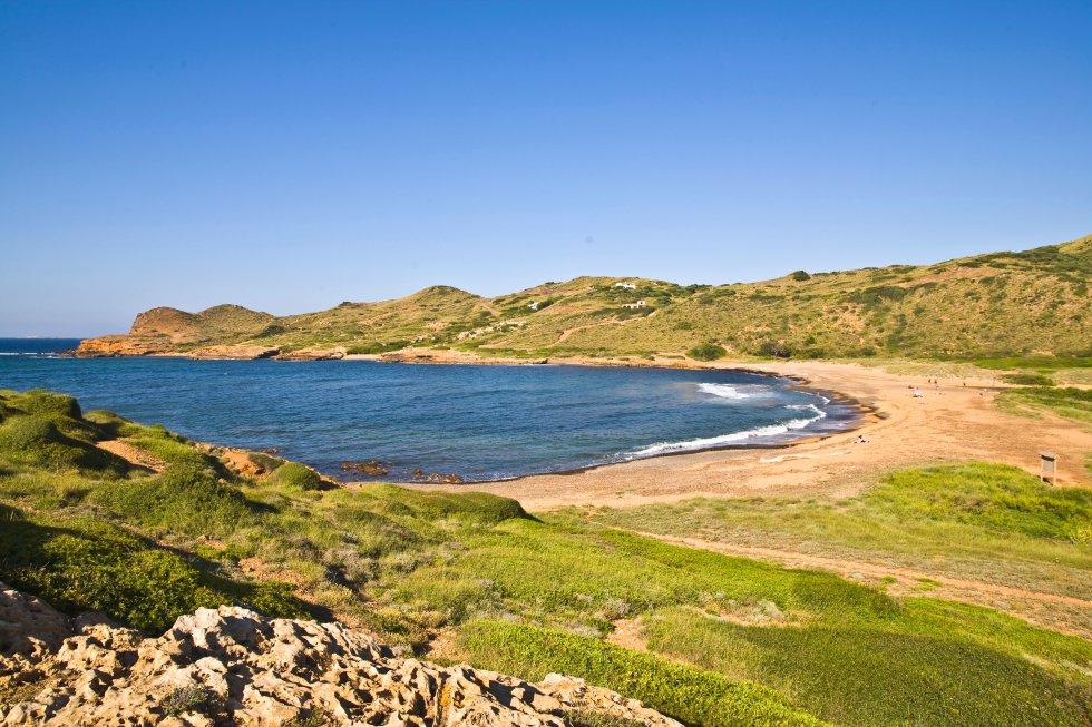 Caleta de Binimel·là, en Es Mercadal, uno de los secretos naturistas mejor guardados de Menorca.