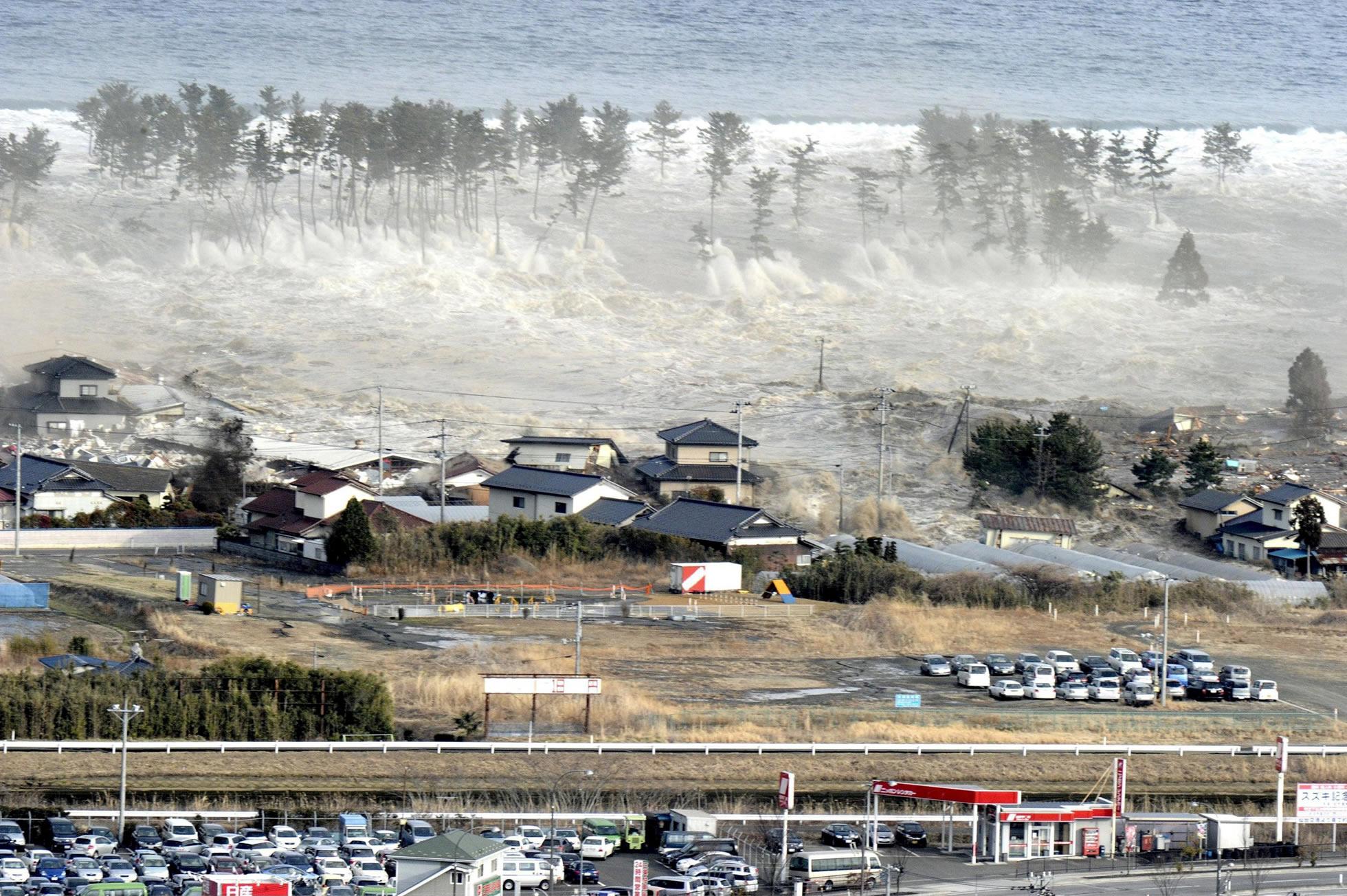 Intenso sismo sacude el norte de Japón; población costera teme tsunami