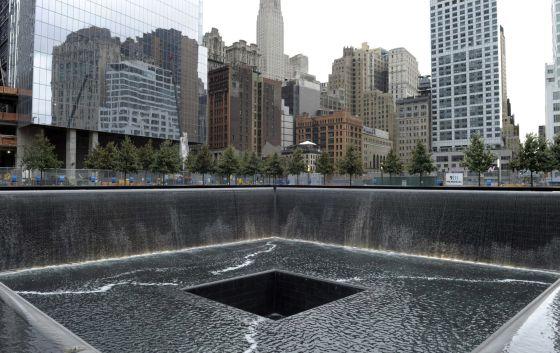 Once a os despu s nueva york sigue sin museo que - Ground zero pools ...