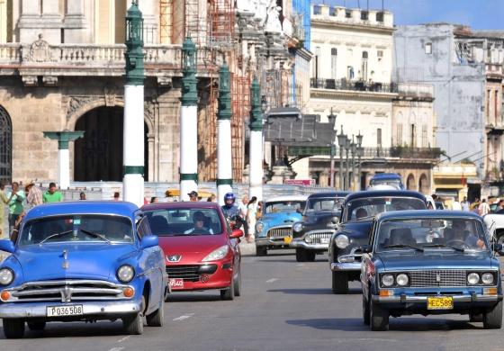 Cuba libera a compra e venda de veículos