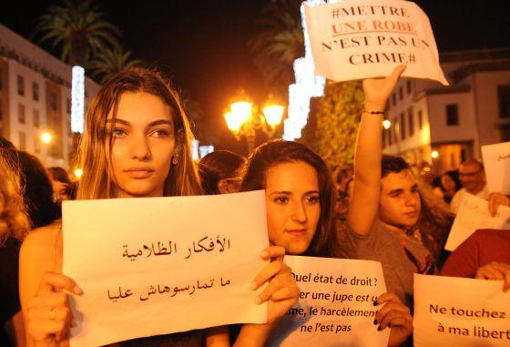 Absueltas en Marruecos las dos mujeres detenidas por vestir faldas ... 12038f04920f