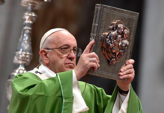 El poder de los Legionarios de Cristo desafía al papa Francisco