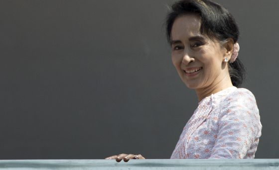 Resultado de imagem para Nobel da Paz Aung San Suu Kyi