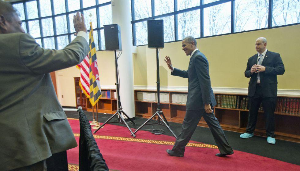 Obama condena la islamofobia en su primera visita a una mezquita en ...