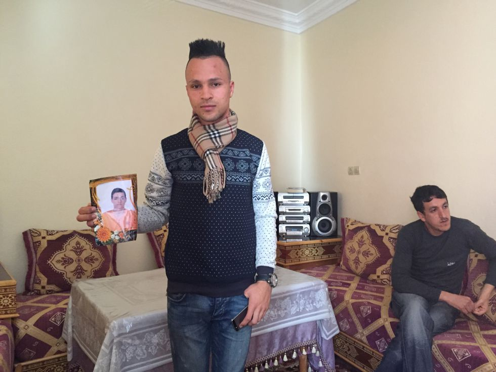 Refugiados j venes marroqu es se hacen pasar por sirios para llegar a alemania internacional - Muebles marroquies en madrid ...