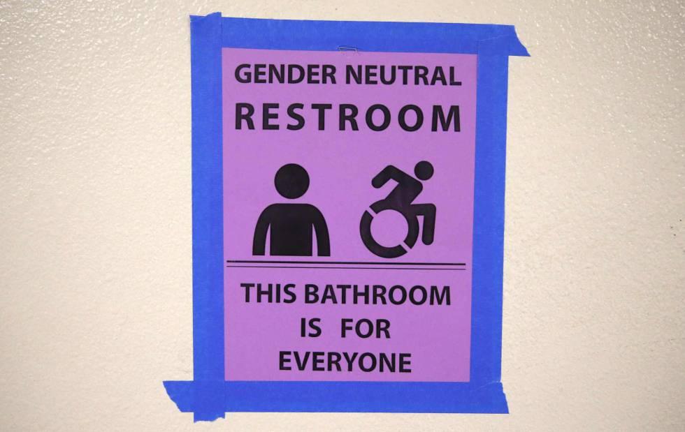 Los baños públicos, epicentro de una nueva lucha por los derechos ...