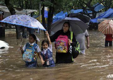 Las peores inundaciones de la década en el sur de Asia dejan más de 1.400 muertos