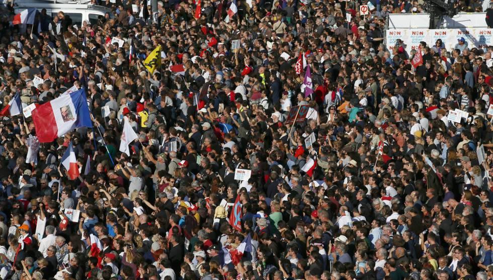 Mélenchon se erige en jefe de la oposición francesa