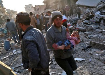 Más de 60 civiles muertos tras el bombardeo de un mercado en la zona rebelde de Siria