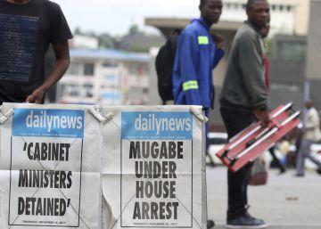Los militares de Zimbabue negocian con Mugabe su futuro