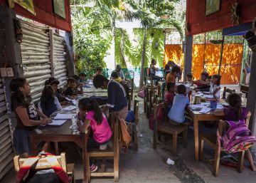 Soluciones a la destrucción del sismo en México: el bar es ahora una escuela