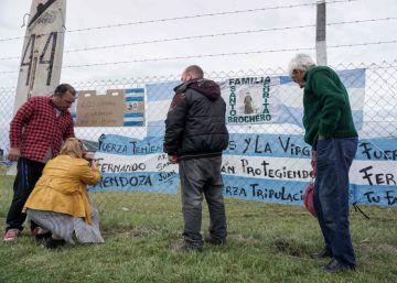 El Ara San Juan cumple un mes perdido y las familias de los 44 aún esperan un milagro
