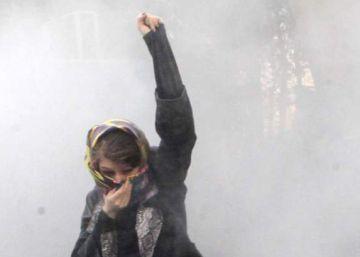 La policía y partidarios del régimen hacen frente a las protestas en Teherán