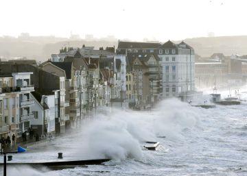 Un muerto y 26 heridos en Francia por la tormenta Eleanor