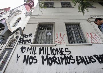 Cinco ataques a iglesias chilenas a días de la llegada del Papa
