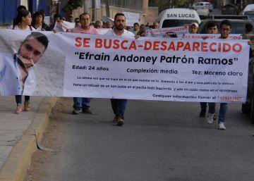 La desaparición de siete jóvenes golpea de nuevo a la policía de México