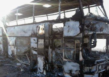 52 muertos en Kazajistán tras incendiarse un autobús en marcha