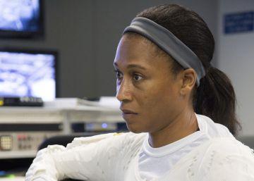 La NASA sustituye a una astronauta antes de convertirse en la primera afroamericana en misión internacional