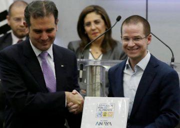 Ricardo Anaya carga contra Peña Nieto en su registro como candidato presidencial