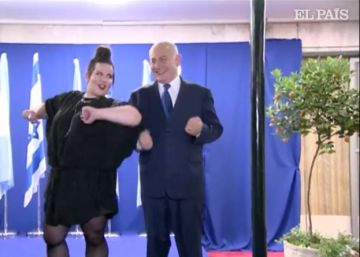 Netanyahu se suma al baile de la gallina junto a Netta