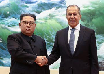 Lavrov se reúne con Kim Jong-un en Pyongyang y le invita a viajar a Rusia