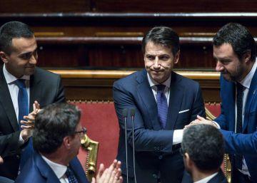 El primer ministro de Italia asume el discurso antiinmigración de Salvini