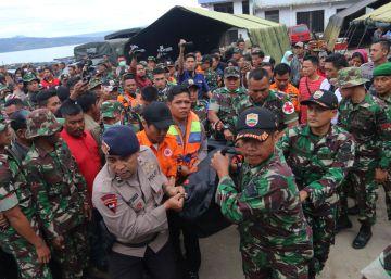 Al menos 186 personas desaparecidas tras un naufragio de un ferry en Sumatra