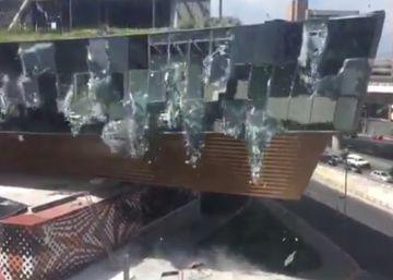 Parte de un lujoso centro comercial se derrumba en Ciudad de México