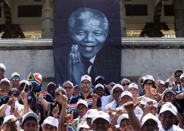 Sudáfrica homenajea a Nelson Mandela en el centenario de su nacimiento
