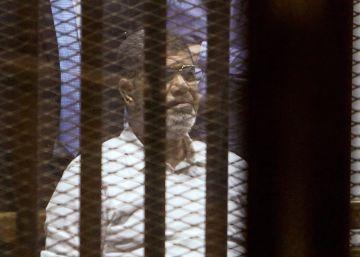 La venganza contra el expresidente Morsi, una auténtica tortura