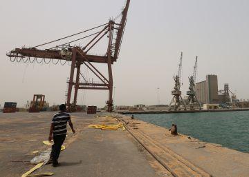 Los rebeldes Huthi atacan un petrolero saudí en la costa del Mar Rojo
