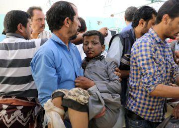 Decenas de muertos en un ataque contra un autobús con niños en Yemen
