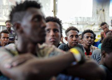 Un pasaje con decenas de adolescentes de Eritrea y Somalia que viajan solos